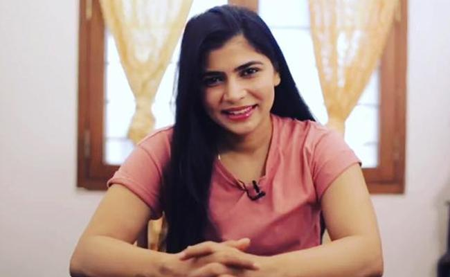 Madras High Court Stays Dubbing Unions Ban On Chinmayi - Sakshi