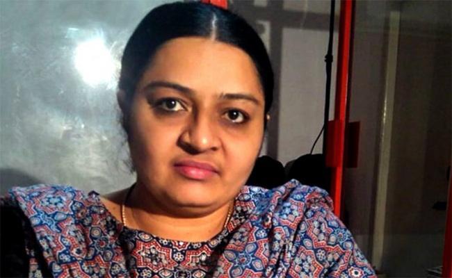 Deepa Contesting In Elections In Tamilnadu - Sakshi