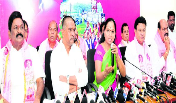 KCR Runs National Politics - Sakshi