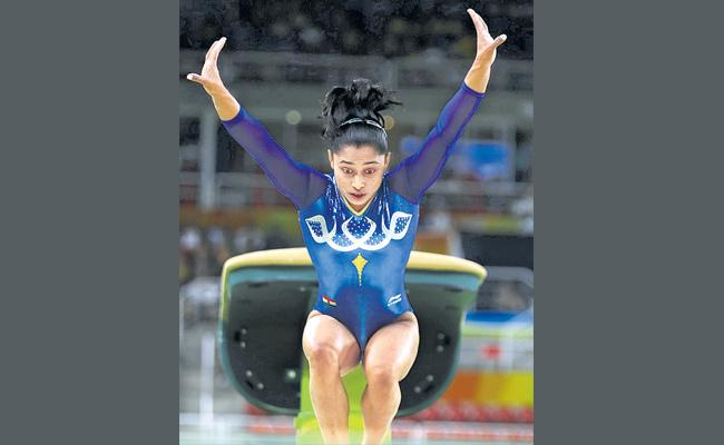 Dipa Karmakar fails to qualify for balanced beam final, to compete in vault final on Saturday - Sakshi