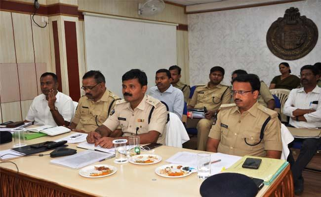 Review of Election Precautions By The State DGP RP Thakur Video Conference - Sakshi
