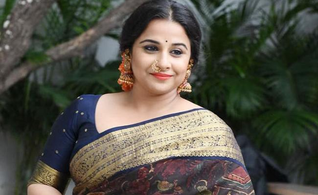 Vidya Balan Says She Is Ready To Star in Sridevi Biopic As Tribute To Her - Sakshi