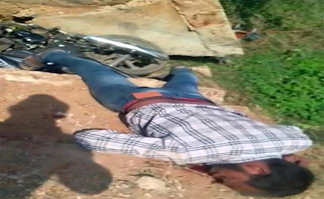 Young Man Is Dead To Road Accident In Tiruvuru - Sakshi