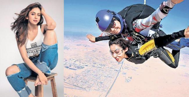 Rakul Preet Singh bitten by skydiving bug - Sakshi