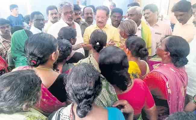 Vemuru Constituency Women Protest Nakka Anand Babu - Sakshi