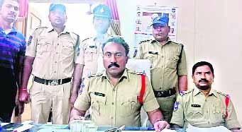 ATM Cheater Arrest - Sakshi