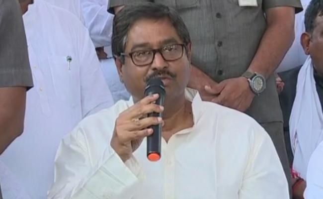 Dharmana Prasada Rao Critics Chandrababu Naidu Over Ticket Allocations - Sakshi