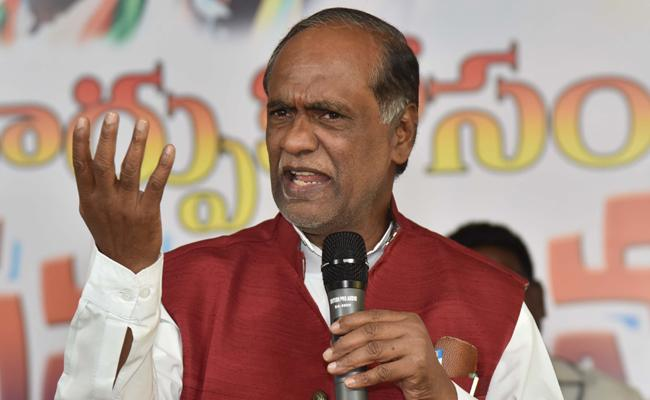BJP K Laxman Fires On KCR - Sakshi