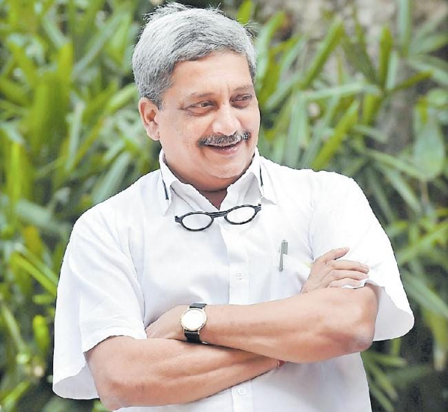 Goa Chief Minister Manohar Parrikar passes away - Sakshi