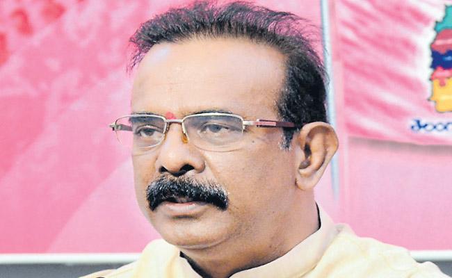 Komati Reddys brothers were criticized by Boora Narsaiah Goud - Sakshi