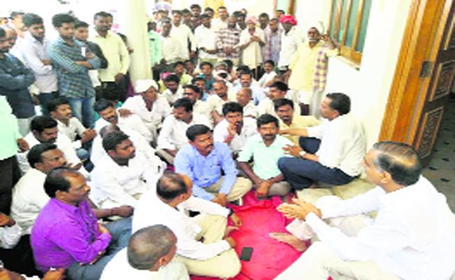 Harish Rao Meet  Raghavapur Peoples - Sakshi