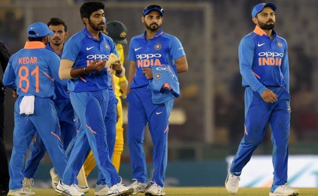 Rahul Dravid Says Defeat to Australia warning Alarm for Team India Ahead Of World Cup - Sakshi