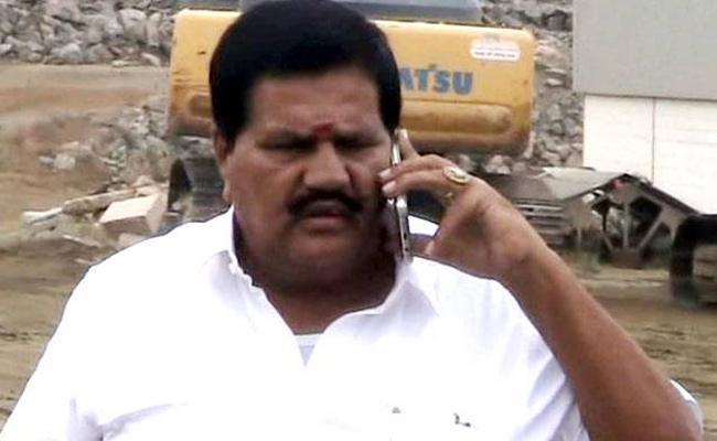MLA R Kanagaraj passes away after cardiac arrest - Sakshi