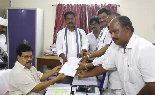 People Wants YS Jagan Says Mudunuri Prasad Raju - Sakshi