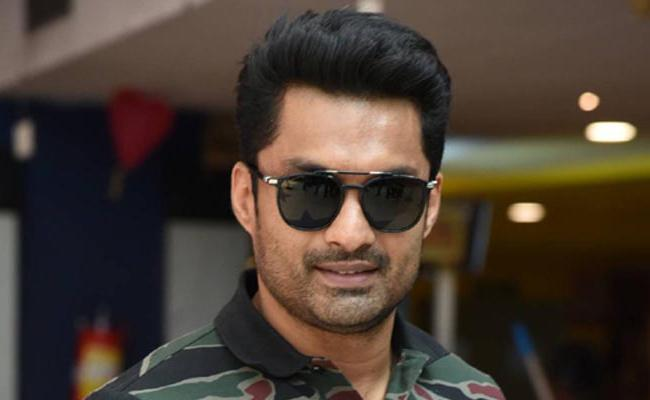 Nandamuri Kalyan Ram Thuglak With Debut Director - Sakshi