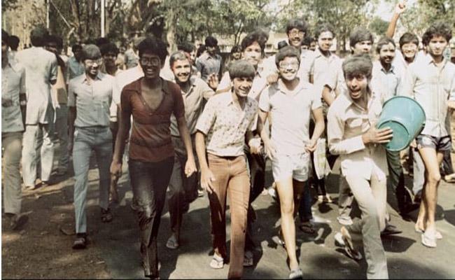Arvind Kejriwal Holi Throwback Pic From IIT Days - Sakshi