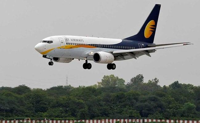 Jet Pilot Said From 4 Months No Salary Then Had To Pawn Mother Ornaments - Sakshi