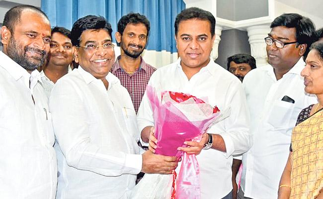 TDP  Nama Nageswara Rao joins TRS in Telangana - Sakshi