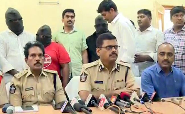 Three Pistols Found In palnadu Area At Yarapathineni Aides - Sakshi