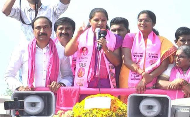 MP Kavitha Response Over Farmers Nomination In Nizamabad - Sakshi