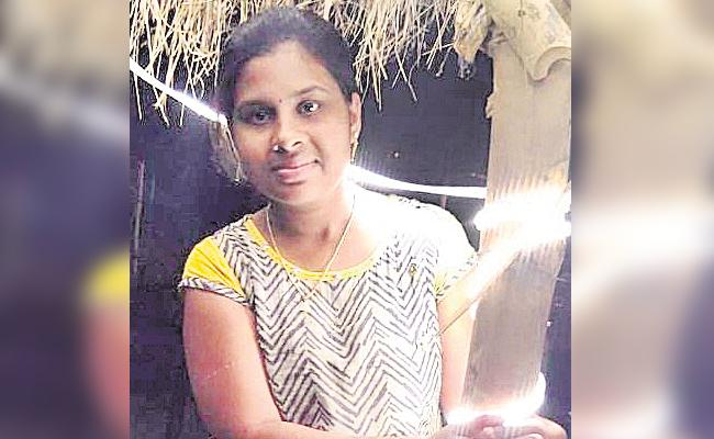 Student Died in Bus Accident - Sakshi