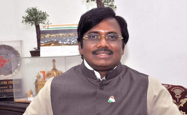 TRS MLA Balka Suman Fires On Vivek - Sakshi