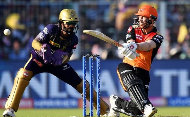 Warner 85 Runs helps Sunrisers to 181 against KKR - Sakshi