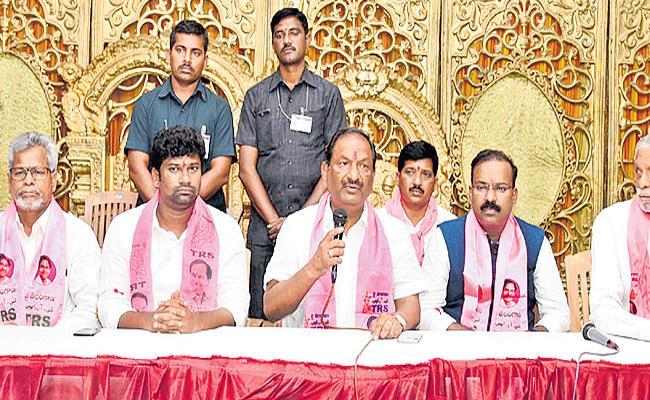 Koppula Eshwar Fires On Vivek - Sakshi