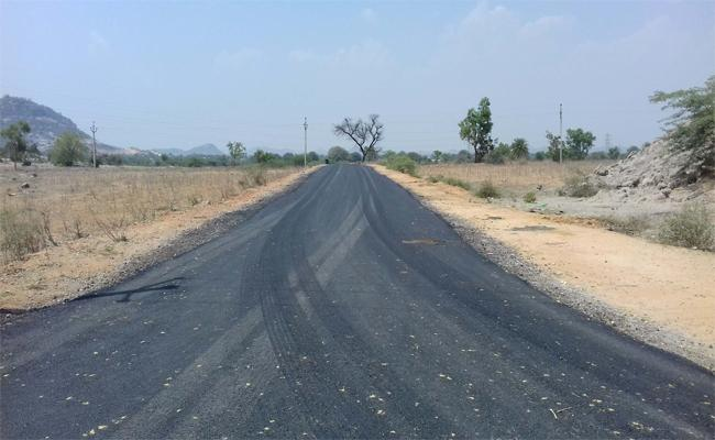 Khilla Ghanpur Awaited Road  Come In To Existance - Sakshi