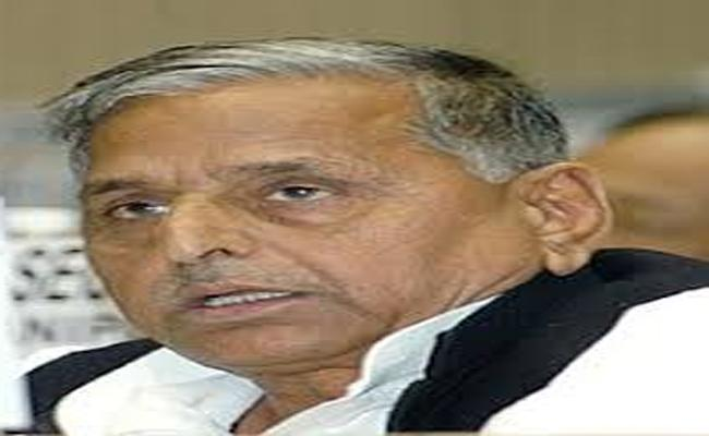Supreme Court Asks Details TO CBI In Mulayam case - Sakshi