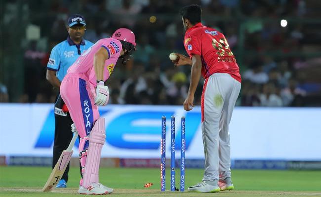 Fans Fires On Ravichandran Ashwin Mankads Jos Buttler - Sakshi
