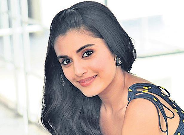 Divyansha kaushik about majili movie - Sakshi