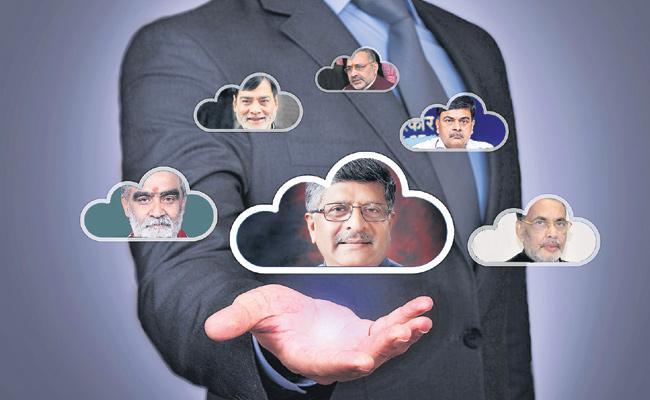 Political Parties Conflicts In Bihar Loksabha Elections - Sakshi