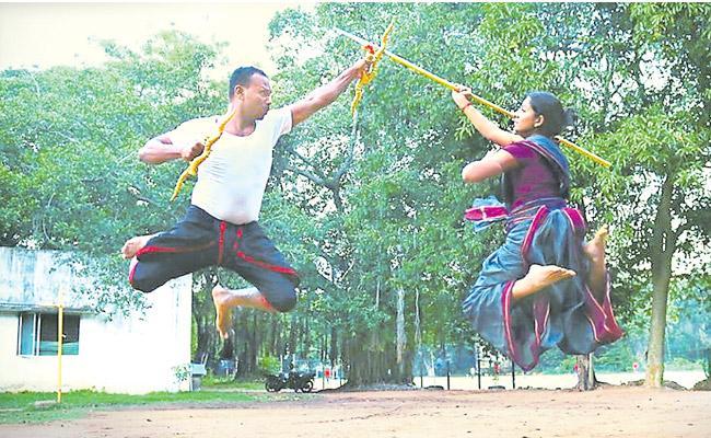 Aishwarya initially trained in Bharatnatyam - Sakshi
