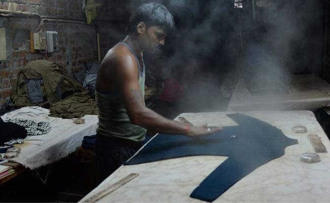 Lack Of Jobs Biggest Concerns For Indian Voters - Sakshi