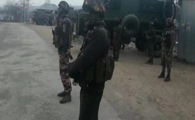 Three Terrorists Killed In Encounter At Keller Area Of Shopian - Sakshi