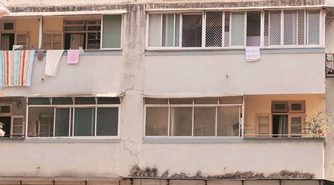 Mumbai Apartments Long Wait For Parsi Police Officer - Sakshi