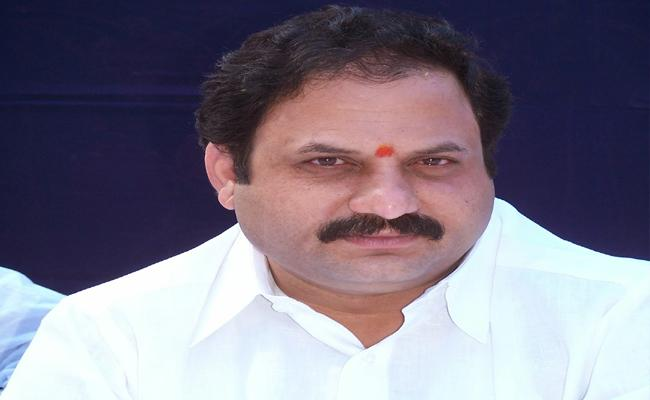 TDP Leaders Code Violation In Banaganapalle - Sakshi
