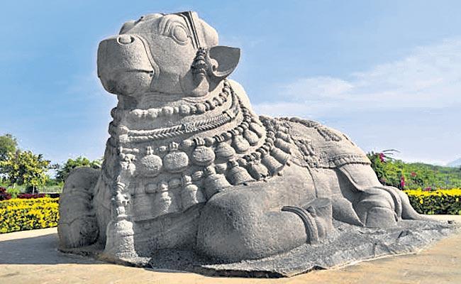 Lord Shiva in Lepakshi in Anantapur district - Sakshi