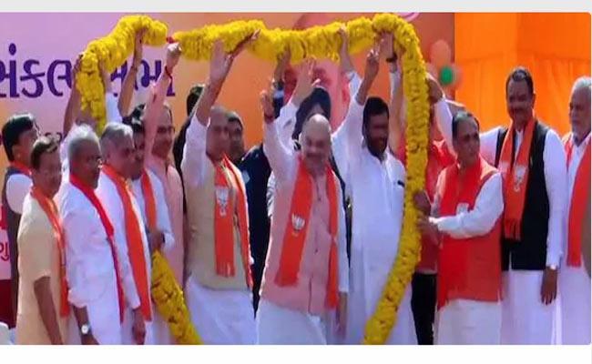 BJP President Amit Shah To File Nomination For Gandhinagar Lok Sabha Seat Shortly - Sakshi