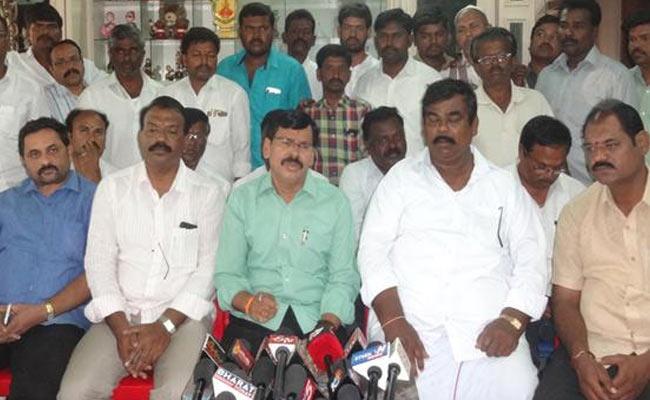 YSRCP Rayadurgam MLA Candidate Kapu Ramachandra Reddy Slams TDP leaders And Police In Rayadurgam - Sakshi