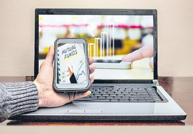 Mutual fund investments via mobile wallets - Sakshi