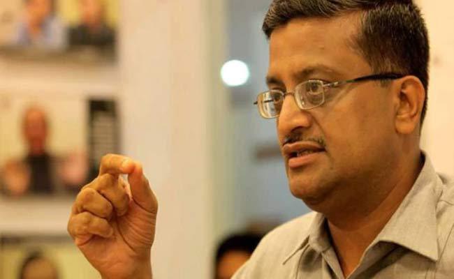IAS Officer Ashok Khemka Transferred In Haryana - Sakshi