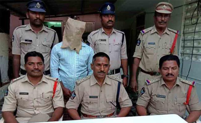 Soninlaw Arrest in Robbery Case Chittoor - Sakshi