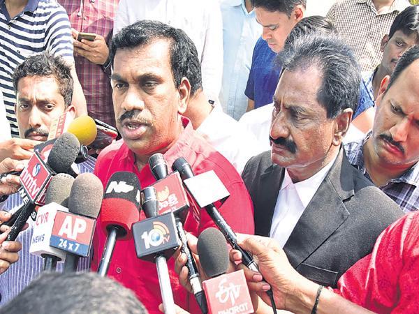 Thummala Lokeshwar Reddy Comments On Chandrababu And Lokesh - Sakshi