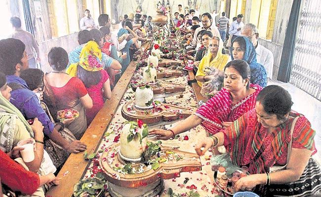 Fasting And Vigil Shivaratri Special - Sakshi