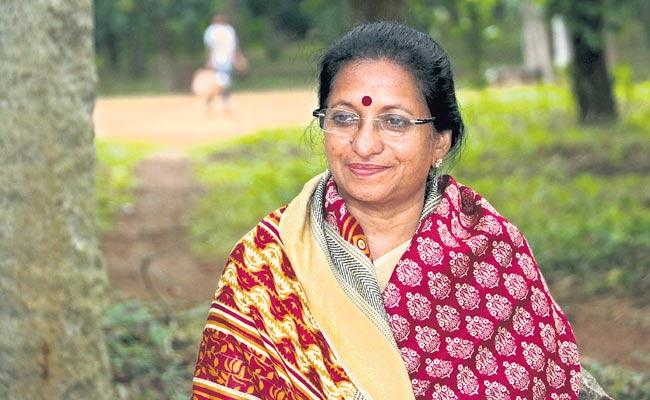 Vasanthi is the mother we see now Atmanandamayi - Sakshi