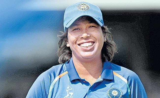 Jhulan Goswami top ranked in womens bowling rankings - Sakshi