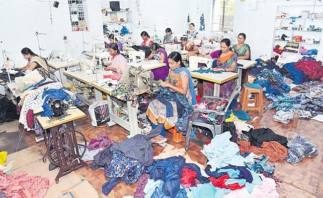 Self employed to sewing work - Sakshi