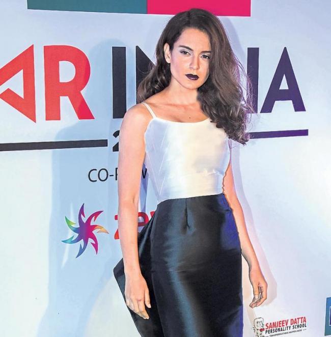 Kangana Ranaut gifts herself 10 days of silence - Sakshi